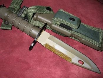 Couteau m9 vert + étui clip ceinture 31cm
